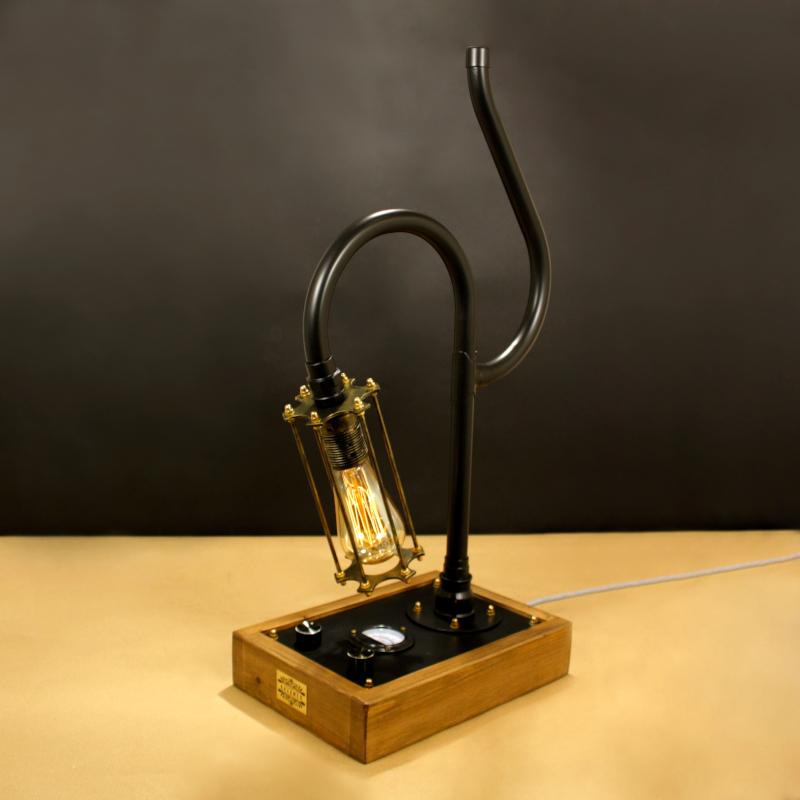 CURIOSITY, fényerőszabályzós indusztriális asztali lámpa