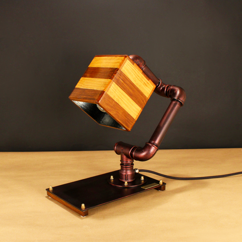 CAMPANULA_2, indusztriális asztali lámpa